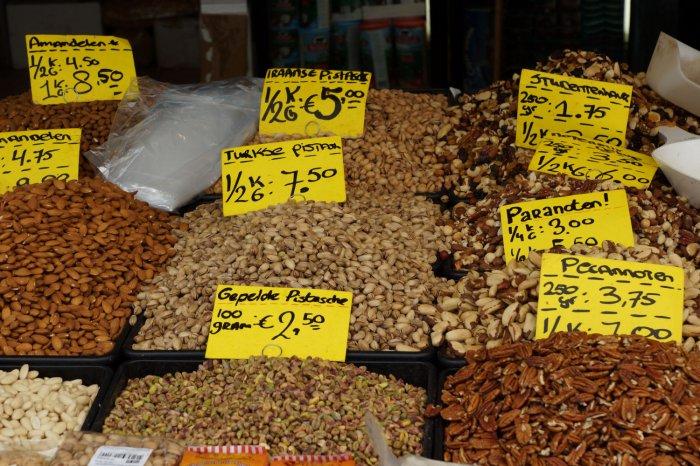 Nüsse auf dem Haagse Markt