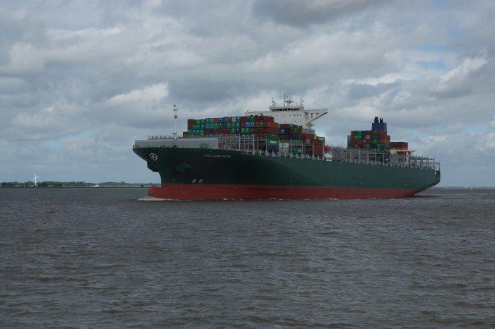 Frachtschiff auf den Weg nach Hamburg