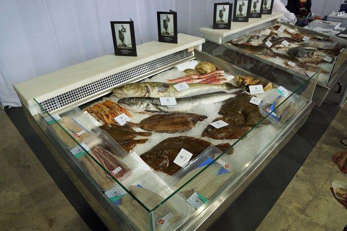 Fischstand auf der Fischmesse