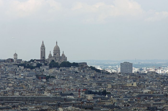 Die Sacre Coeur vom Eiffelturm aus gesehen