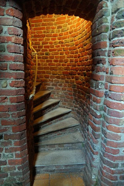 Enge Treppe im Plompetoren