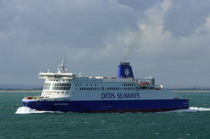 DFDS Seaways Fähre auf dem Weg nach Dünkirchen