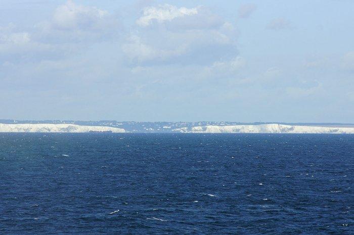 Erste Blicke auf die weißen Klippen von Dover