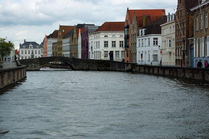 Blick auf den Kanal am Jan van Eyckplein